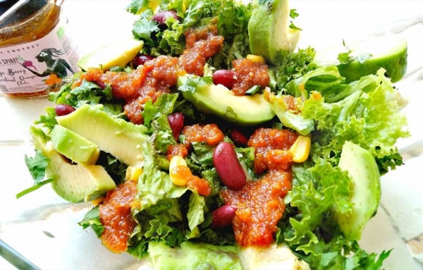 Green Salad with Red Beans and Chutney Goji Berry